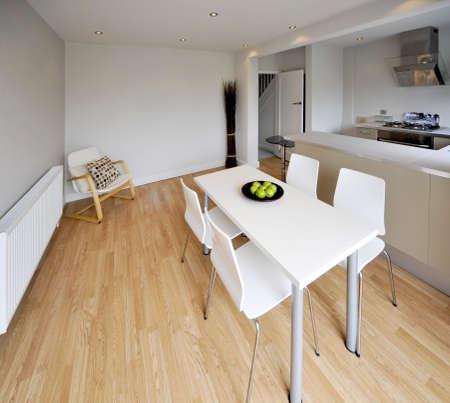 complemento: imagen en color cocina reconstruido recientemente restaurada casa de superficies de trabajo