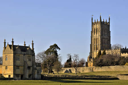 chipping: chipping campden village the cotswolds gloucestershire england st james wool church