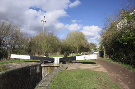 tardebigge: Il canale di Worcester e Birmingham al villaggio di canale Tardebigge nel Worcestershire, Midlands, Inghilterra.