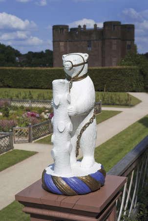 elizabethan: the elizabethan garden at kenilworth castle warwickshire the midlands england uk