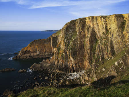 baggy: baggy point on the north devon coast - the view from the footpath to baggy point Stock Photo