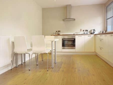 complemento: cocina de imagen de color en las superficies de trabajo reci�n restaurada casa reconstruida