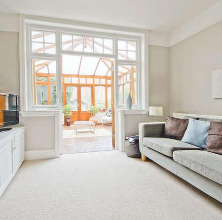 tapete: sala de estar em casa reconstru