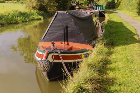 inland waterways: a canal on the inland waterways network of navigable canals and waterways in the english and british countryside in the uk, united kingdom, great britain, europe Stock Photo