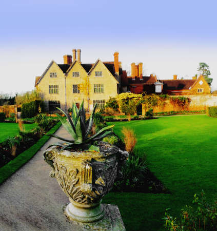 aristocracy: Country house
