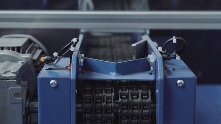 Model of industrial robot manipulator. Production line with robot manipulator. Foto de archivo