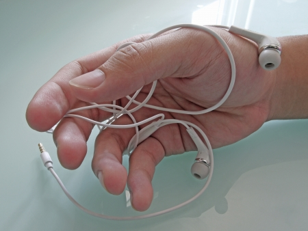 unravel: Wrapped earbud headphones