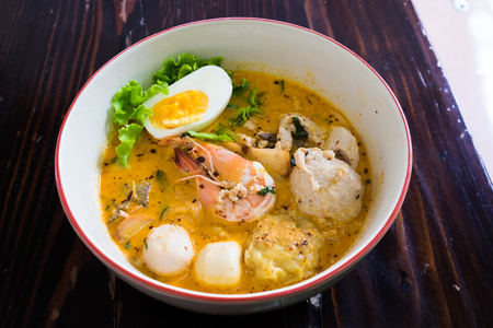 asian noodle: Asian noodle with seafood and egg in the tomyum soup