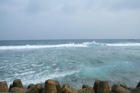 푸른 하늘과 아름다운 해변 스톡 콘텐츠