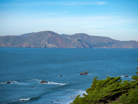 Cliffside on clear skies overlooking Marin bay area 스톡 콘텐츠 - 99608359