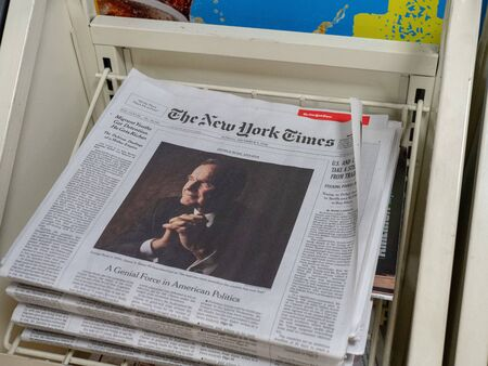 New York Times cover of death of George H.W. Bush Redakční
