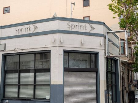 Abandoned, closed entrance of Sprint Wireless shop Sajtókép