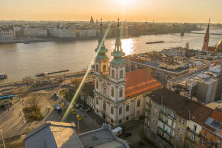 Aerial drone shot of facade of St. Anne Parish church during Budapest sunrise Stockfoto - 151029298