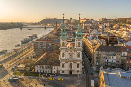 Aerial drone shot of facade of St. Anne Parish church during Budapest sunrise Stockfoto - 151029361