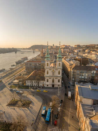 Aerial drone shot of facade of St. Anne Parish church during Budapest sunrise Stockfoto - 151029377