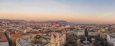 Aerial drone shot of Budapest downton from liberty square at dawn with view of Parliament Stockfoto - 151134185