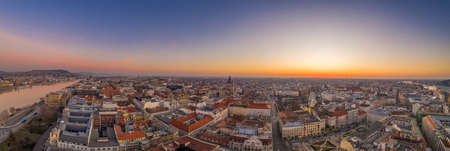 Panoramic aerial drone shot of St. Stephen Basilica at Budapest Stockfoto - 151134188