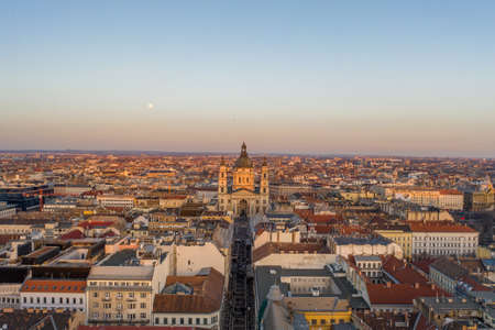 Aerial drone shot of St. Stephen Basilica during Budapest sunset hour in winter Stockfoto