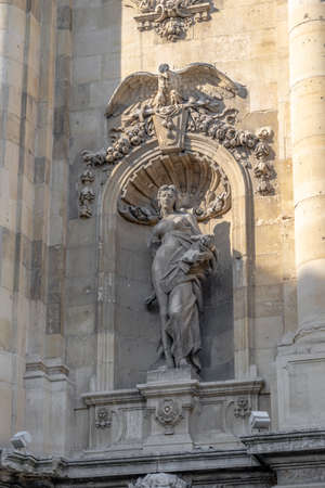 Sculpture on north side of Lions gate at Buda Palace Stockfoto