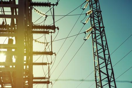 전원 전기 변압기 스테이션 세부, 빈티지 톤을 닫습니다. 스톡 콘텐츠