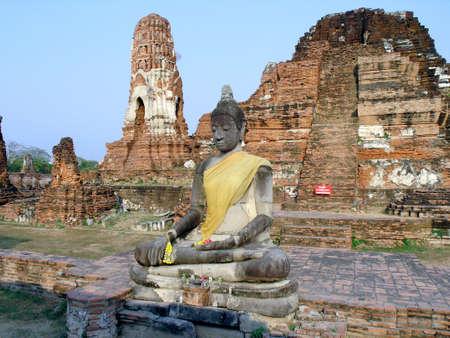 buddah:  buddah meditating  ayuthaya central thailand