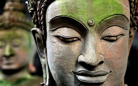 仏陀の頭をクローズ アップ 写真素材