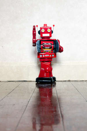 un used: Retro red Robot