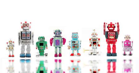 Eine Linie von Retro-Roboter Standard-Bild - 35003009