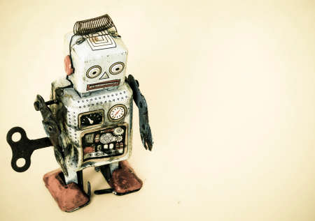 robot: un juguete sad robot Foto de archivo