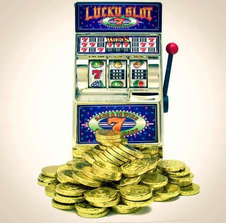 vintage toy slot machine 免版税图像 - 75371061