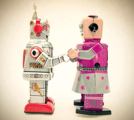 concept romantische liefde met vintage robot speelgoed