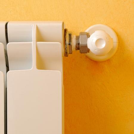 regulator: White aluminum heating radiator regulator front detail