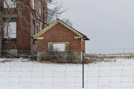 deserted: deserted homestead