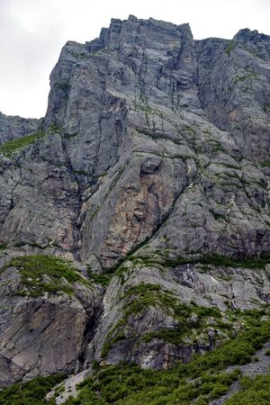 Face in Mountain Banque d'images - 132259481