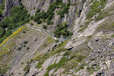 A hiking trail in the mountain 版權商用圖片