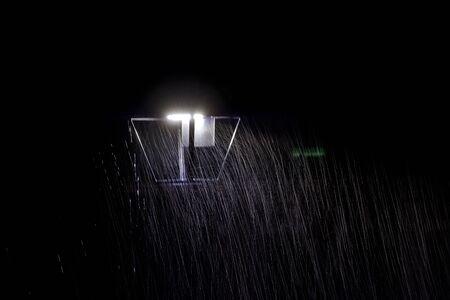 A white light background in the rain Foto de archivo