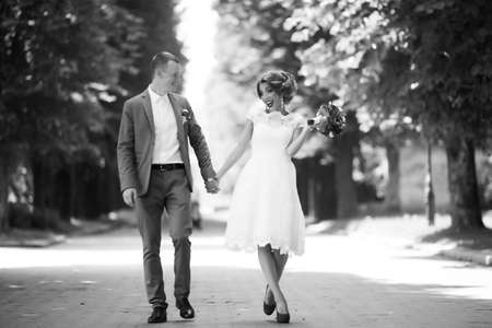 wedding couple, beautiful young bride and groom, Banque d'images