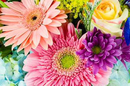 cut flowers: A close-up of a colorful bouquet of flowers  Stock Photo