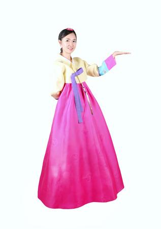 韓国の伝統的なドレスを着た女性