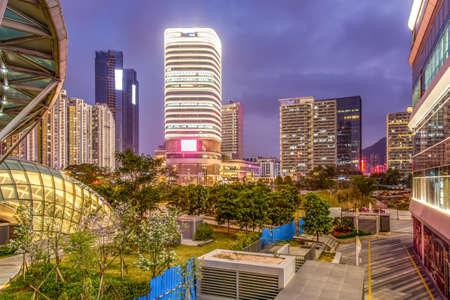 Vue de nuit de la ville de shenzhen Banque d'images - 97199199