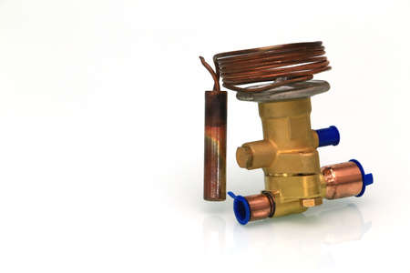 Expansion valve is a spare parts for air conditioner.