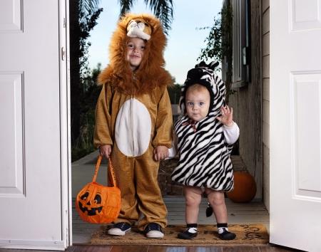 Trick or Treat children Stock Photo - 10750220