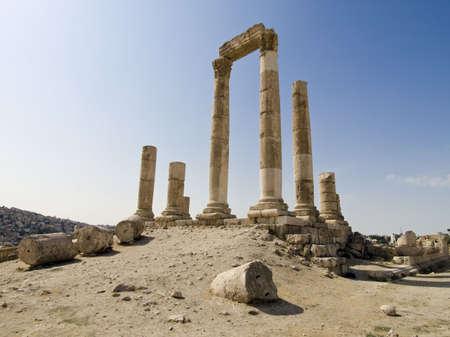 building monumental: Temple of Hercules in Amman Citadel, Al-Qasr site, Jordan Stock Photo