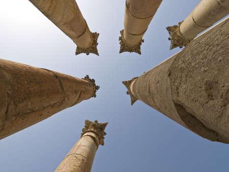 Templo de Artemis en Jerash, Jordania.  Foto de archivo - 2643210