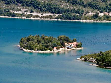 Śródziemnomorskiego krajobrazu w pobliżu miejscowości Ston, Dubrownik, Chorwacja Zdjęcie Seryjne - 2924588