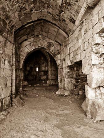 syria: Krak des Chevaliers (Crac des Chevaliers) ist ein Kreuzritter Festung in Syrien. Im Inneren des Bollwerk. Lizenzfreie Bilder