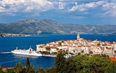 Vieille ville m�di�vale de Korcula - panorama. Croatie, Dalmatie r�gion, en Europe.