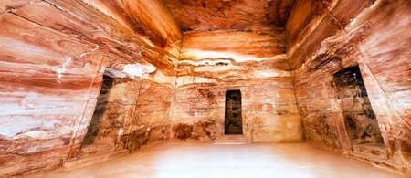 khazneh: Petra - Nabataeans capital city (Al Khazneh) , Jordan. Treasury tomb main romm. Roman Empire period. Stich image panorama. Stock Photo
