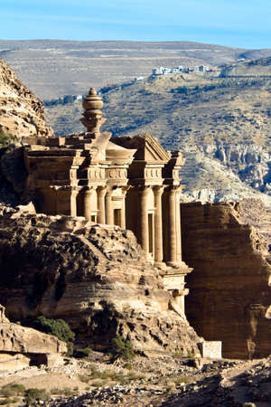 khazneh: Petra - Nabataeans capital city (Al Khazneh) , Jordan. Monastery tomb extreme telephoto lens detail - shot with extender. Roman Empire period. Stock Photo