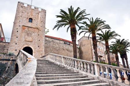 L'entr�e principale dans la vieille ville m�di�vale de Korcula. Croatie, Dalmatie r�gion, en Europe. Banque d'images